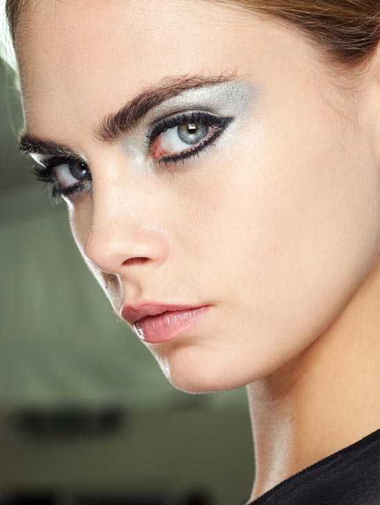 chanel-spring-2013-runway-beauty